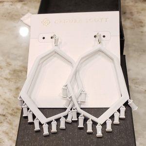 Kendra Scott Thomas white earrings NWT